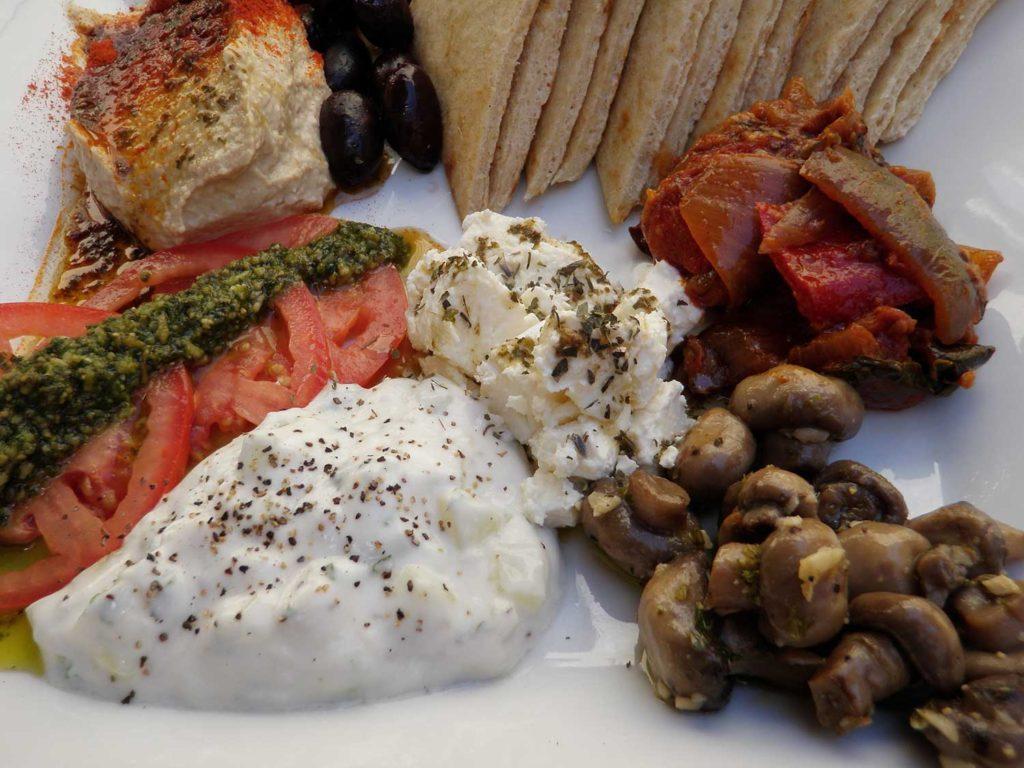 pitta and hummus